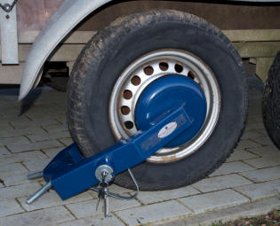 MI WHEEL CLAMP (1)