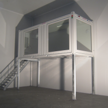 Office container with stairs (1)