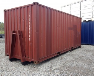 20ft 2dehands container op slede (2)