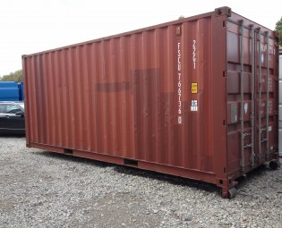 20ft 2dehands container op slede (3)