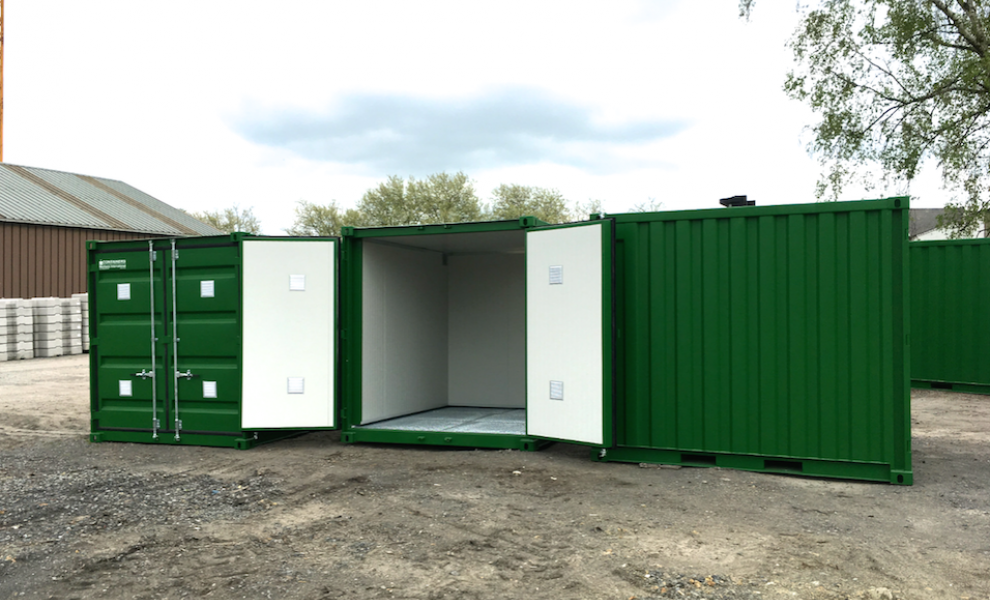 Insulated 10FT storage container with grid floor (4)