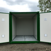 Insulated 10FT storage container with grid floor (5)