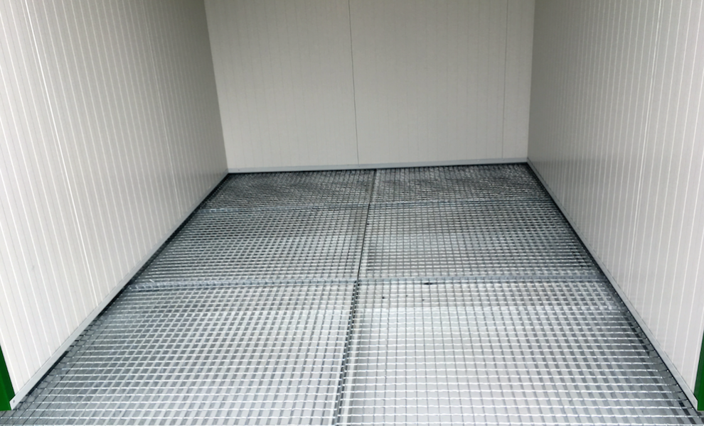 Insulated 10FT storage container with grid floor (6)