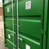 Insulated 10FT storage container with grid floor (8)