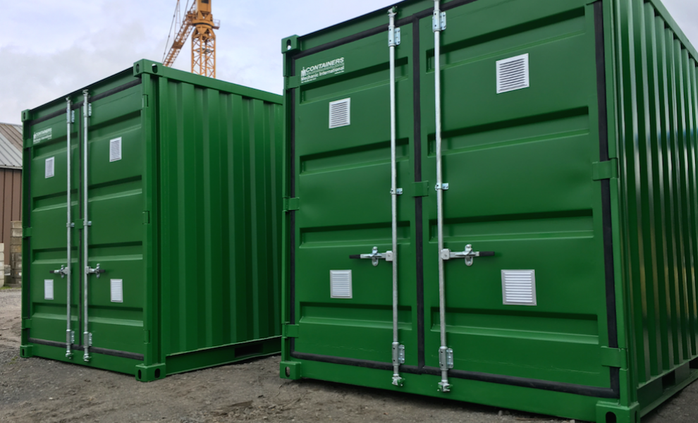 Insulated 10FT storage container with grid floor (3)