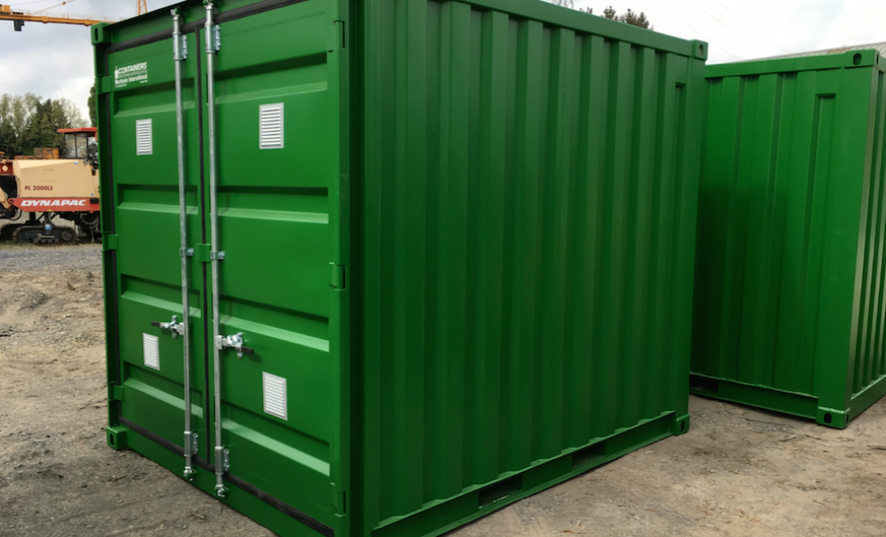Insulated 10FT storage container with grid floor (2)