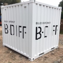 8ft container met belettering