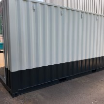 20ft High Cube container painted in 2 colors